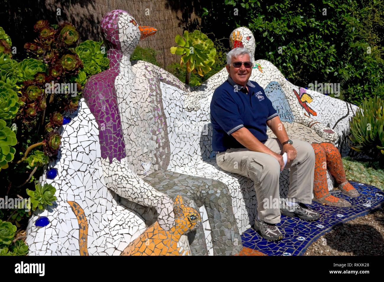 Tremendous Mosaic Bench Figures Cat Art Man Sitting Garden Scene Ibusinesslaw Wood Chair Design Ideas Ibusinesslaworg