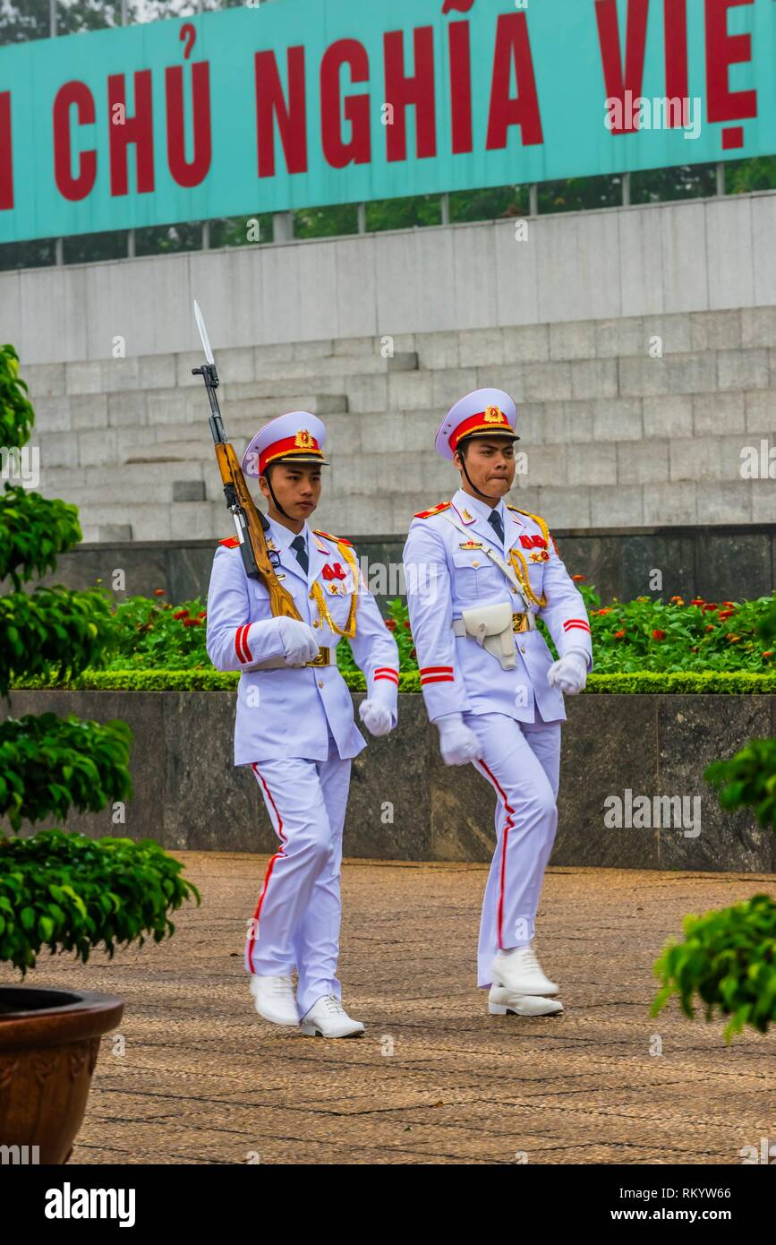 Changing of the guard at the Ho Chi Minh Mausoleum, Hanoi, northern Vietnam. It is the final resting place of Vietnamese Revolutionary leader Ho Chi - Stock Image