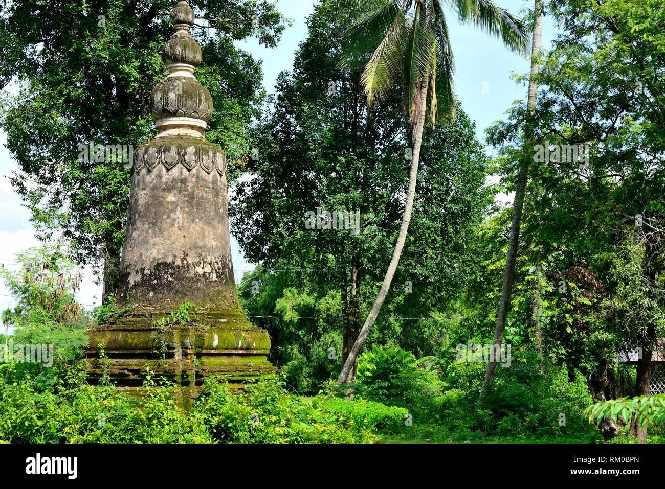 Stupa in Wat Ty Pram Trong in Koh Trong island, Kratie province, Cambodia - Stock Image