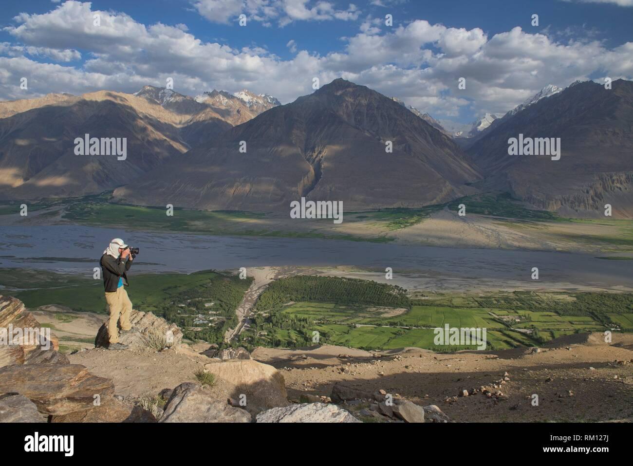 The Wakhan Valley and Afghanistan Hindu Kush, Vikchut, Tajikistan. - Stock Image