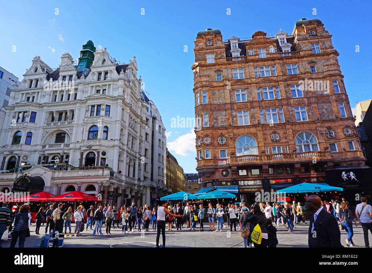 Victory House Hotel and Queens House. Leicester Square, London, England, Great Britain, Europe. - Stock Image