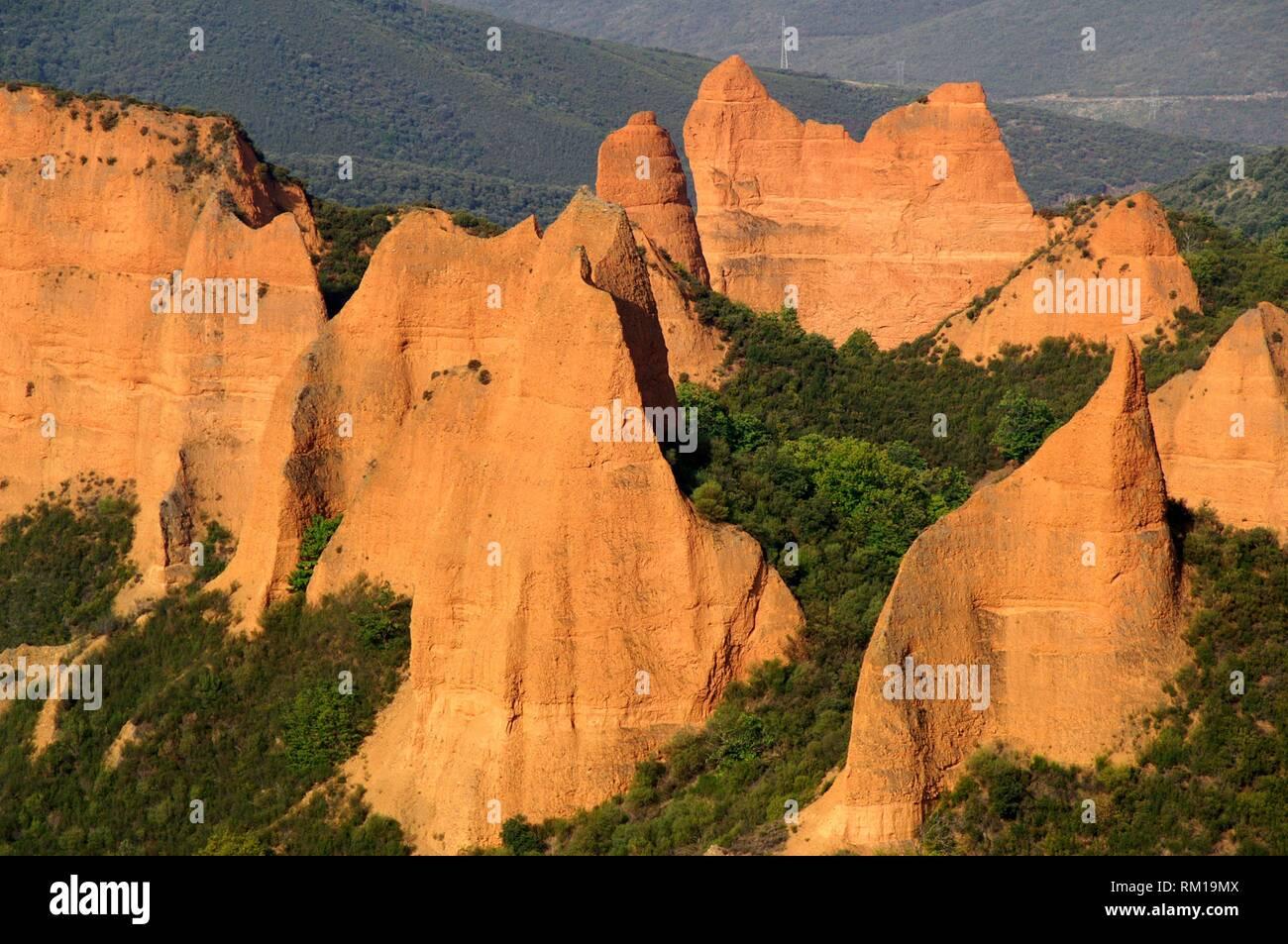 District of El Bierzo (Spain). Vegetation next to the landscape environment of Las Médulas (ancient Roman gold mining). - Stock Image