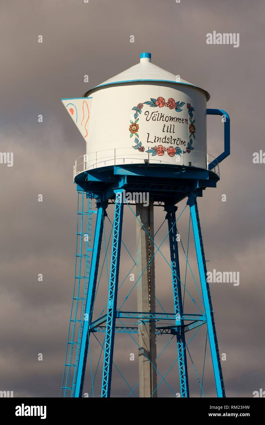 Coffee pot water tower, Lindstrom, Minnesota. - Stock Image