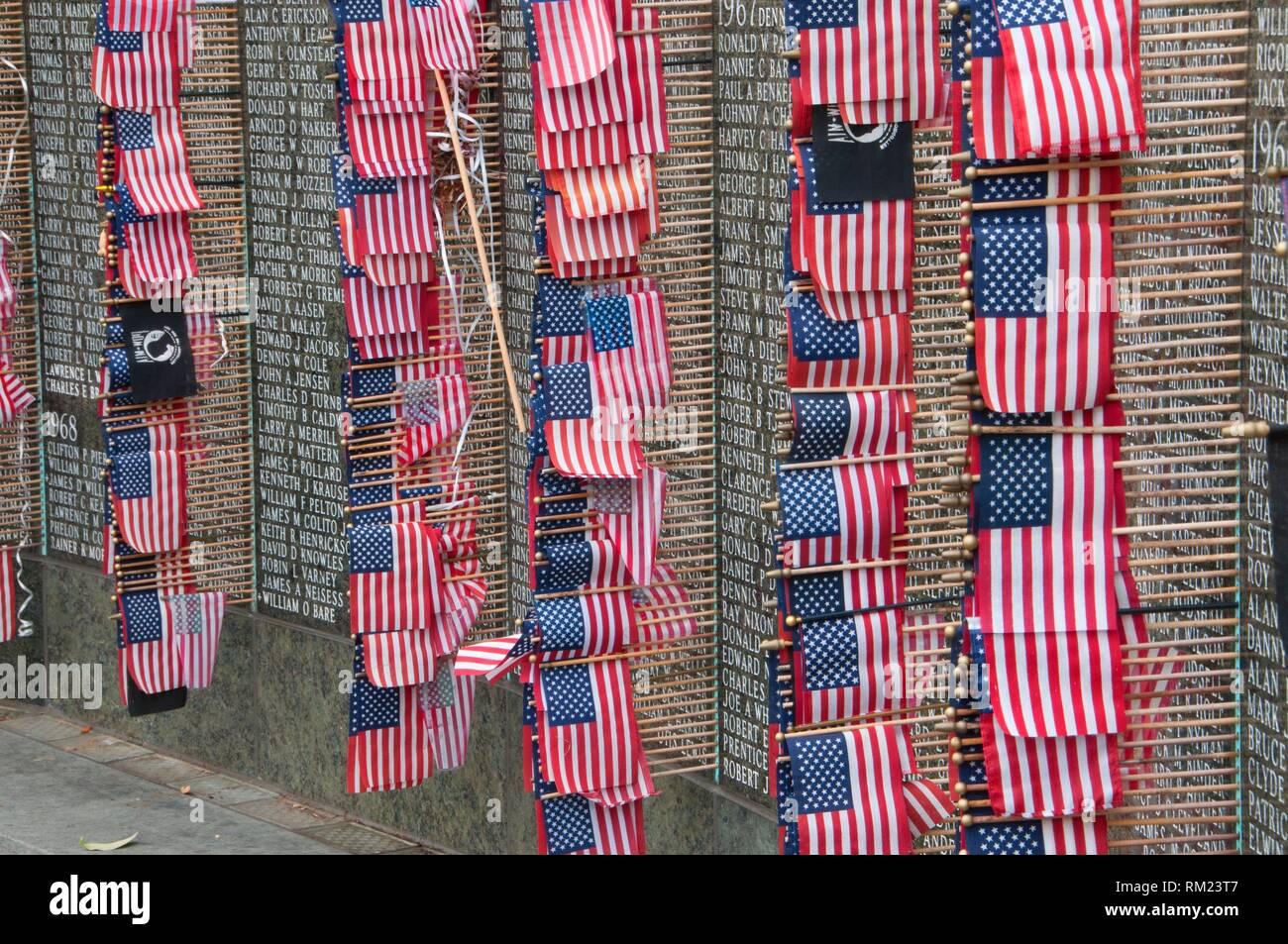 Washington Vietnam Veterans Memorial with American flag, State Capitol Mall, Olympia, Washington. - Stock Image