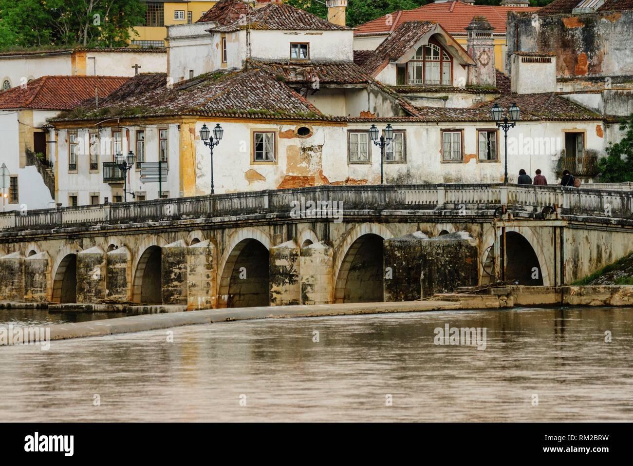 Roman bridge over the Nabao river, Tomar, distrito de Santarem, Medio Tejo, region centro, Portugal - Stock Image