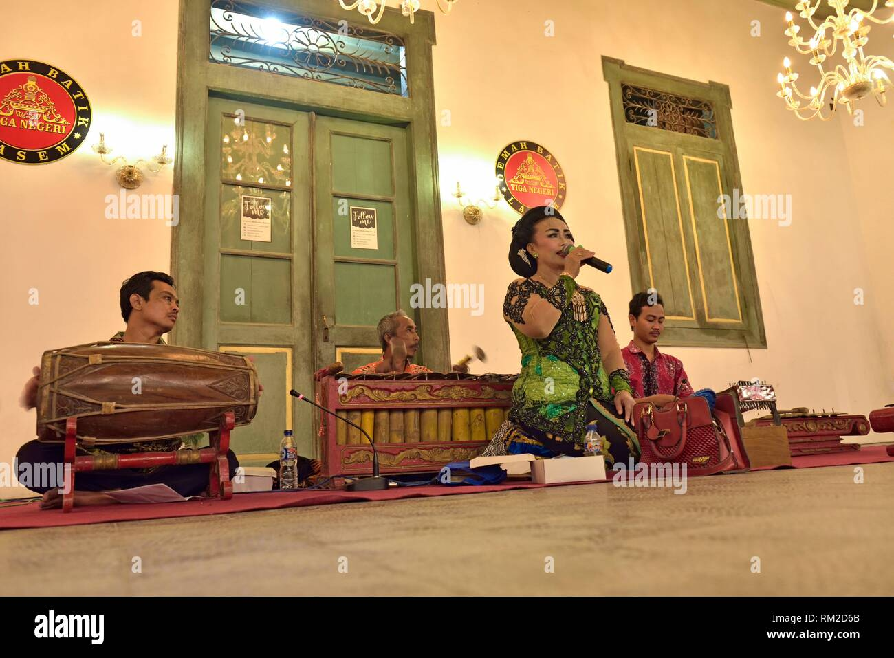 Javanese performance (gamelan) at Tiongkok Kecil Heritage Centre, Lasem, Java island, Indonesia, Southeast Asia. - Stock Image