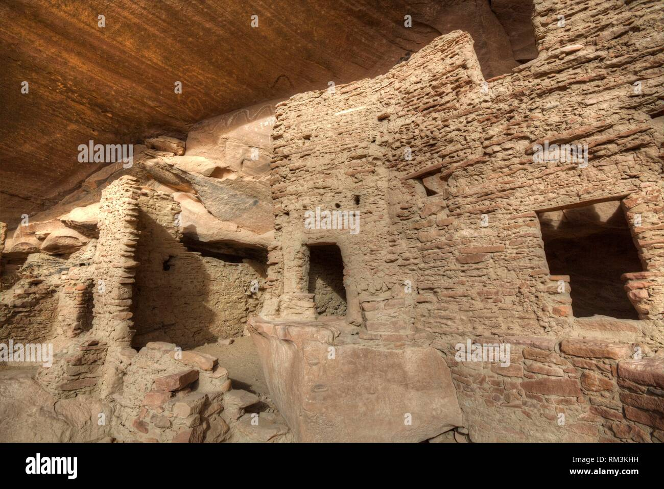 River House Ruin, Ancestral Puebloan Cliff Dwelling, 900-1300 AD, Shash Jaa National Monument, Utah, USA - Stock Image