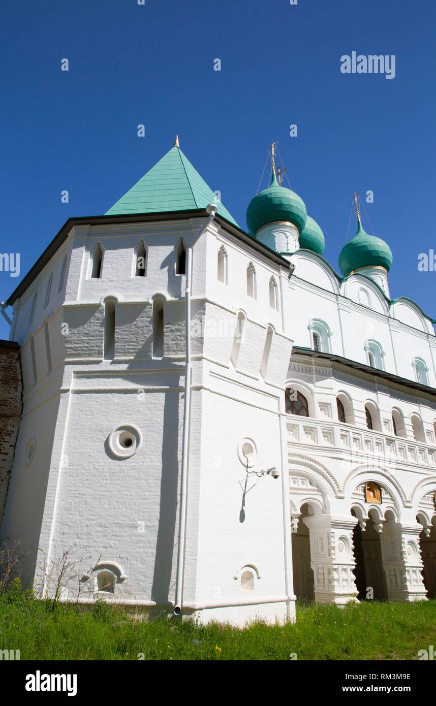Gate Church, Boris and Gleb Monastery, Borisoglebsky, Golden Ring, Yaroslavl Oblast, Russia - Stock Image