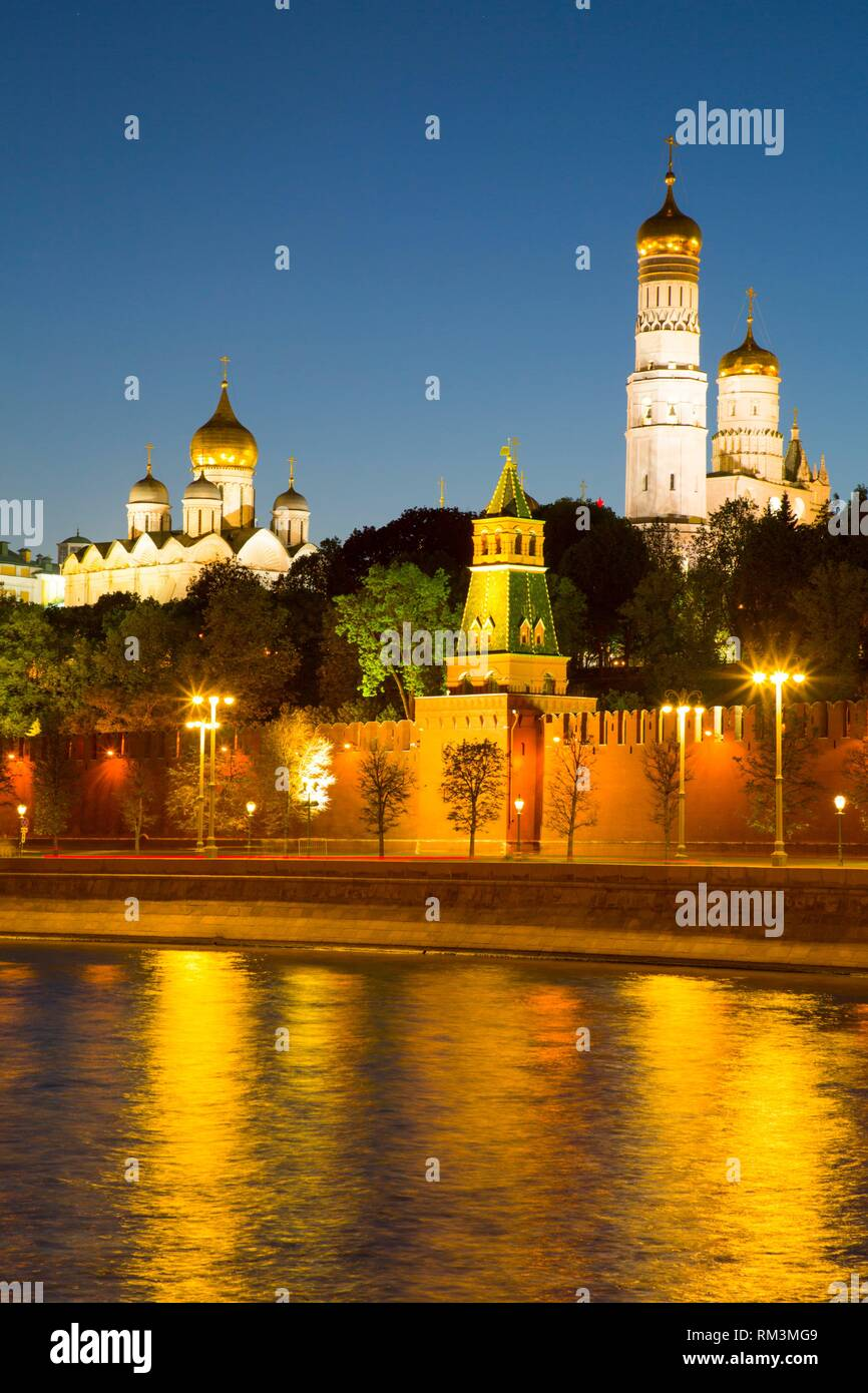 Evening, Moscow River, Kremlin, UNESCO World Heritage Site, Moscow, Russia - Stock Image