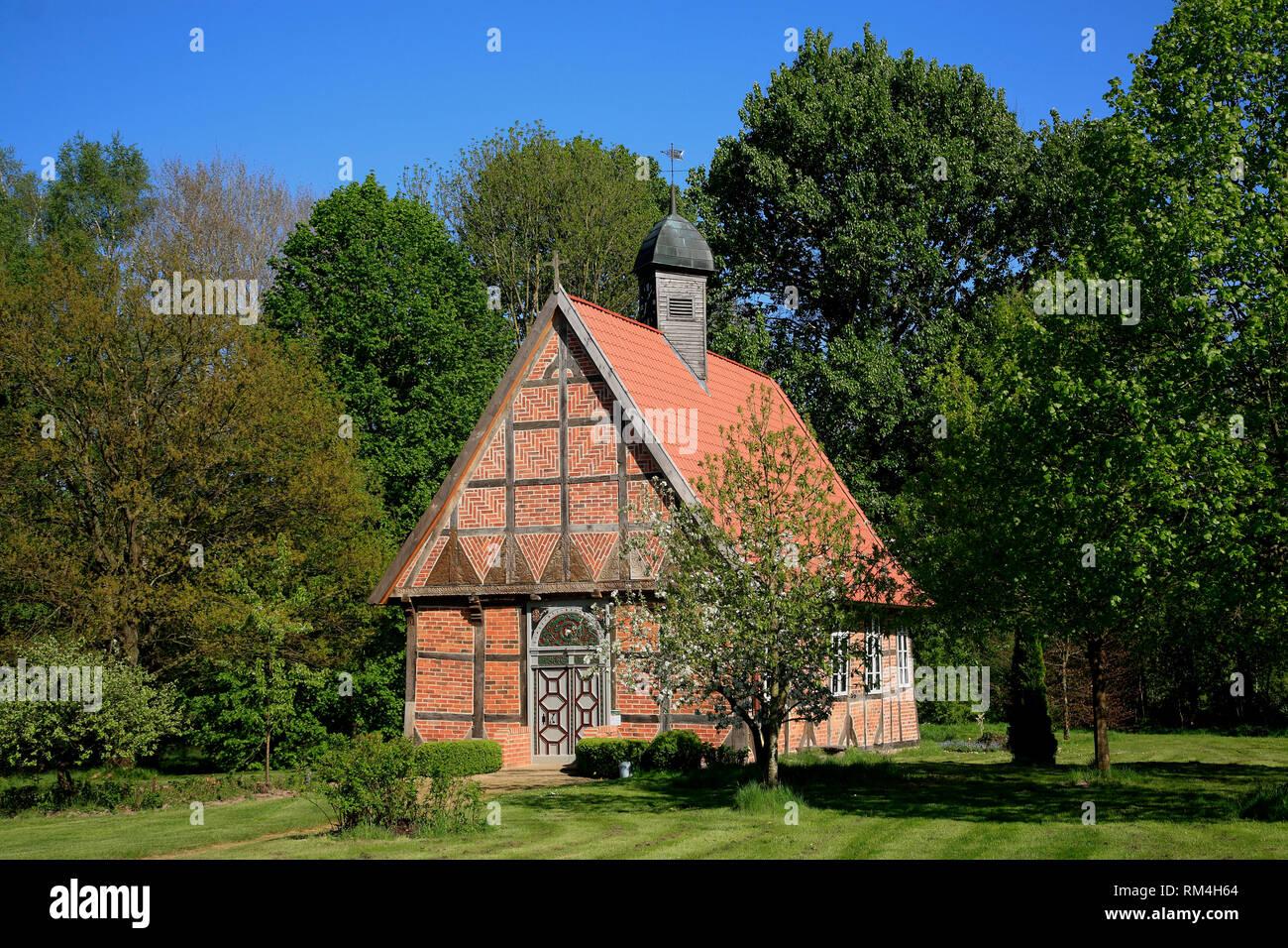 Little chapple in Barnstedt, Lüneburger Heide, Lower Saxony, Germany, Europe - Stock Image