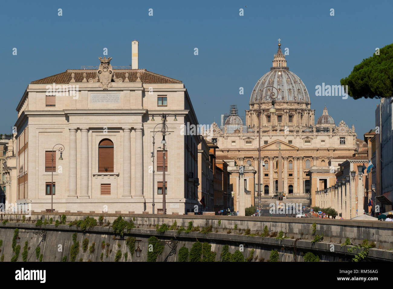 Ospedale di Santo Spirito in Sassia and St. Peter's Basilica, San Pietro in Vaticano, Papal Basilica of St. Peter in the Vatican, Rome, Italy - Stock Image
