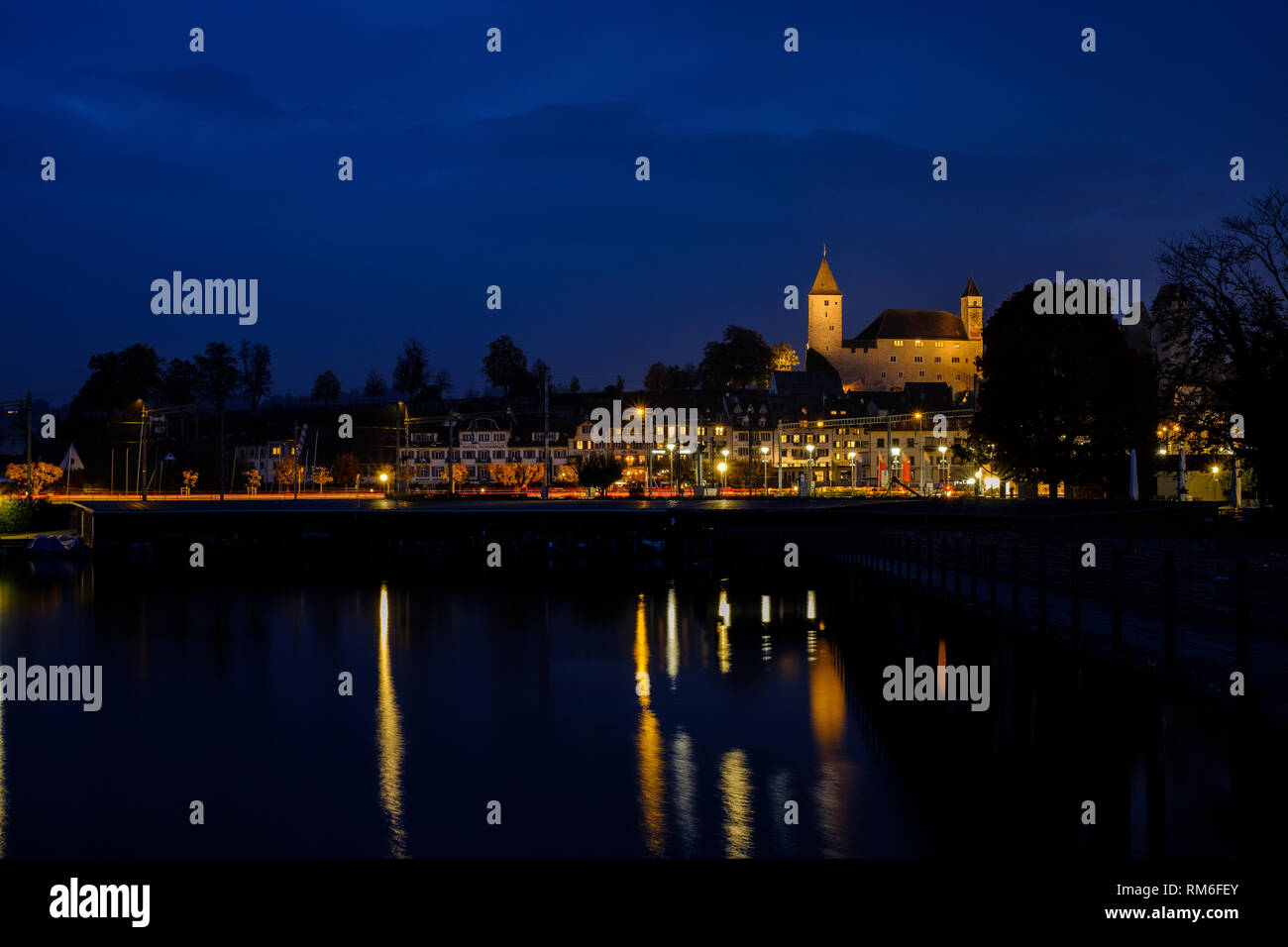 Rapperswil bei Nacht - Stock Image