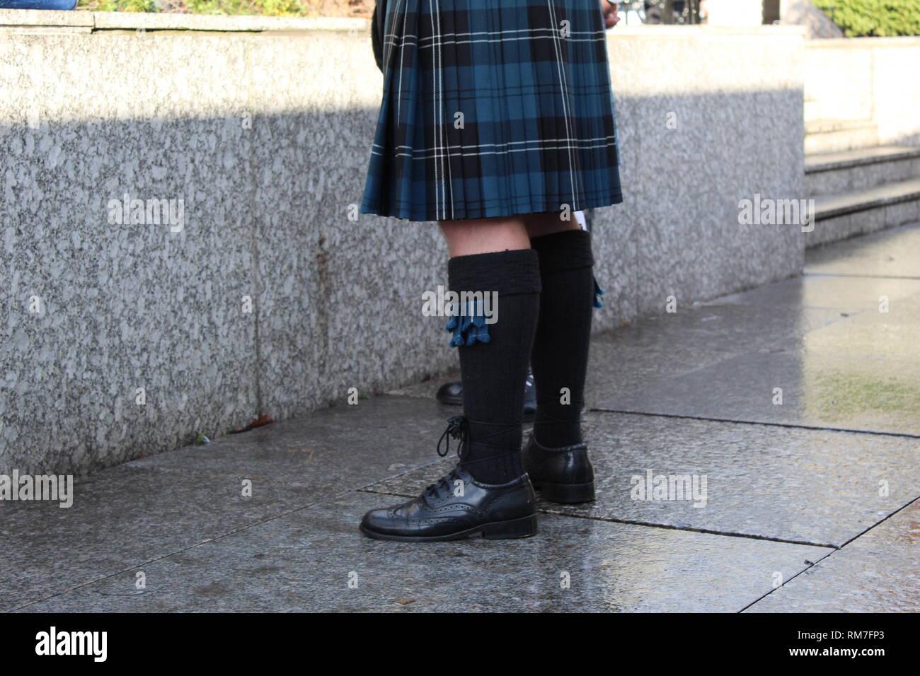 Man in Kilt in Edinburgh - Stock Image