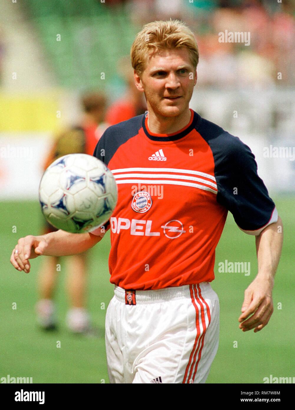 BayArenaLeverkusen 29.5.1999, 1. Fussball Bundesliga Saison 1998/1999 34.Spieltag,  Bayer 04 Leverkusen vs FC Bayern MŸnchen (Munchen, Muenchen) --- Stefan Effenberg, Bayern - Stock Image