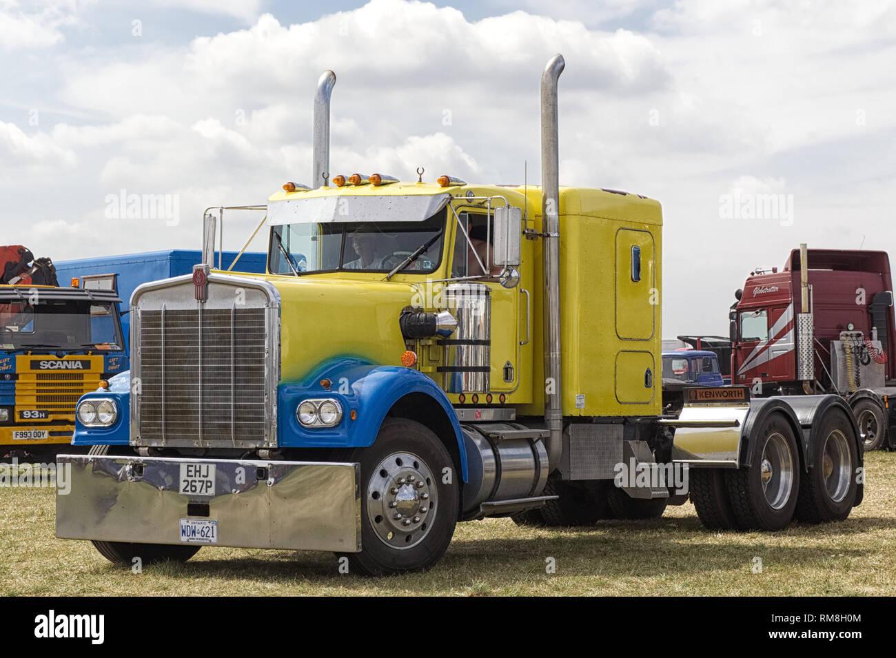 spray painted Kenworth American Trucks - Stock Image