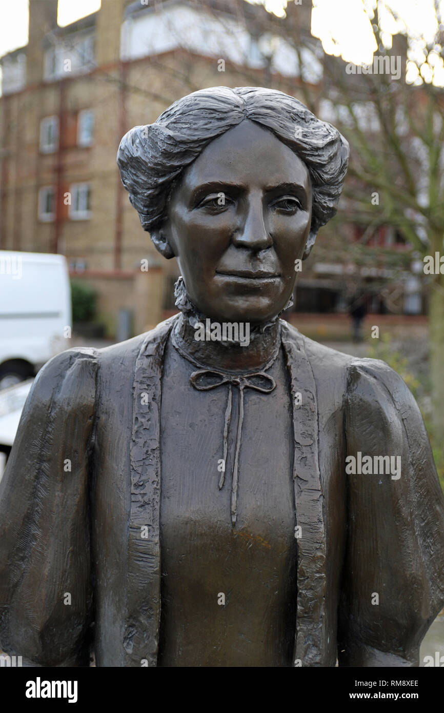 Statue of Ada Salter, née Brown (20 July 1866 – 4 December 1942) in Bermondsey who was an English social reformer. - Stock Image