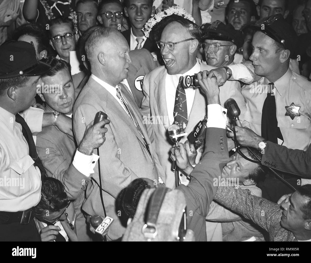 1952 Republican presidential candidate General Dwight Eisenhower talks with Ohio Senator Robert Taft after outpolling him at the Republican convention in Chicago. - Stock Image