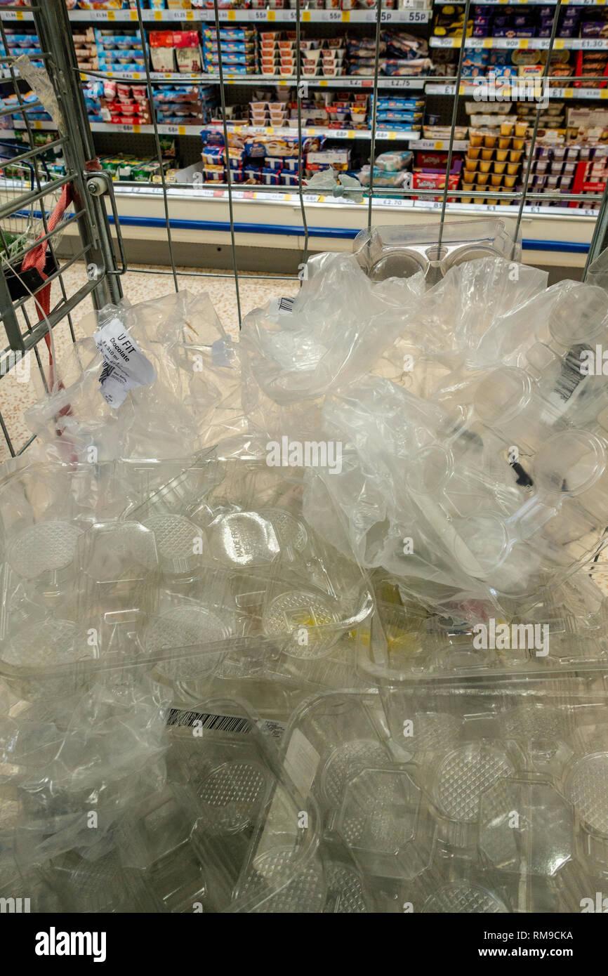 Supermarket Waste Stock Photos & Supermarket Waste Stock