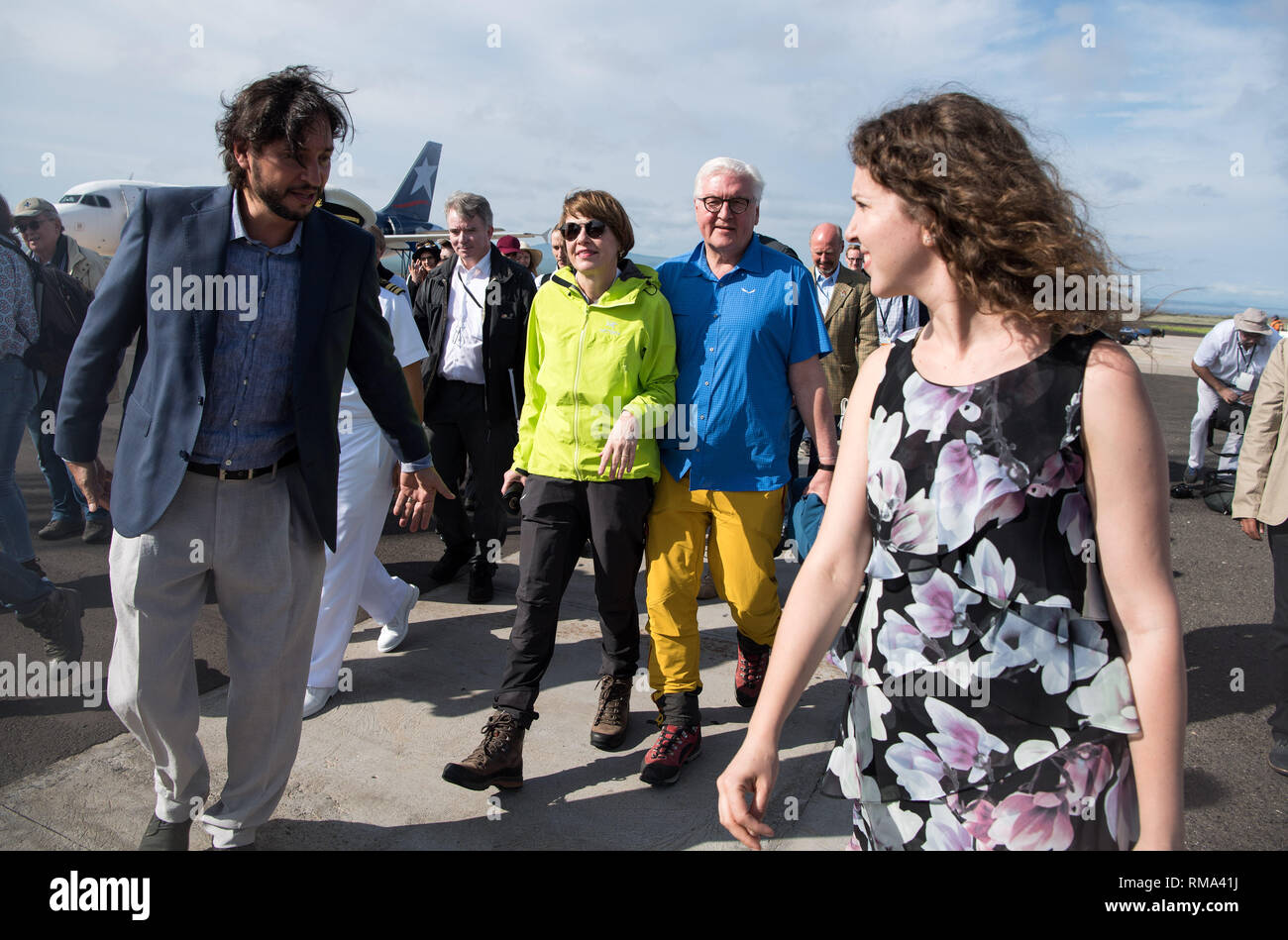 14 February 2019, Ecuador, Galapagos-Inseln: President Frank-Walter Steinmeier and his wife Elke Büdenbender arrive at Baltra Airport. Federal President Steinmeier and his wife are visiting Colombia and Ecuador on the occasion of Alexander von Humboldt's 250th birthday as part of a five-day trip to Latin America. Photo: Bernd von Jutrczenka/dpa - Stock Image