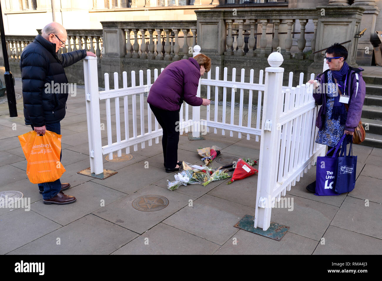Sheffield, South Yorkshire, UK. 14th February 2019. Flowers and tributes left at the plaque for the late Gordon Banks. Credit: Alamy Live News - Stock Image