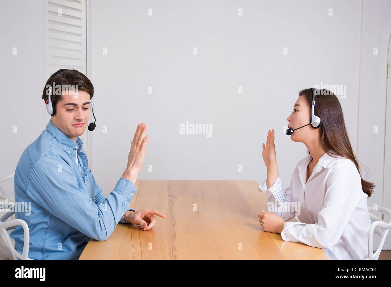 Conceptual photo study another foreign language on/off line verbal courses 055 - Stock Image