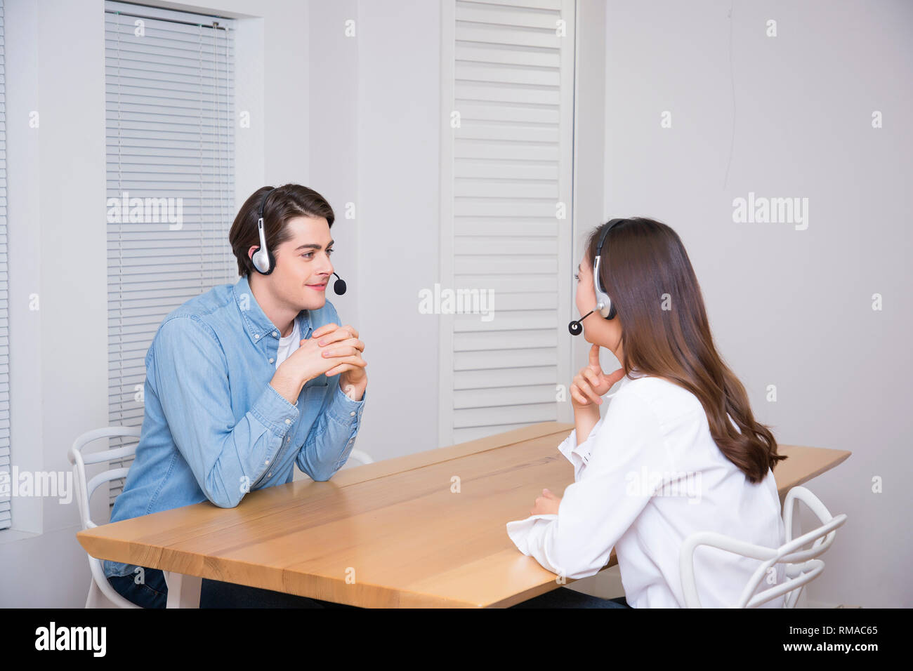Conceptual photo study another foreign language on/off line verbal courses 054 - Stock Image