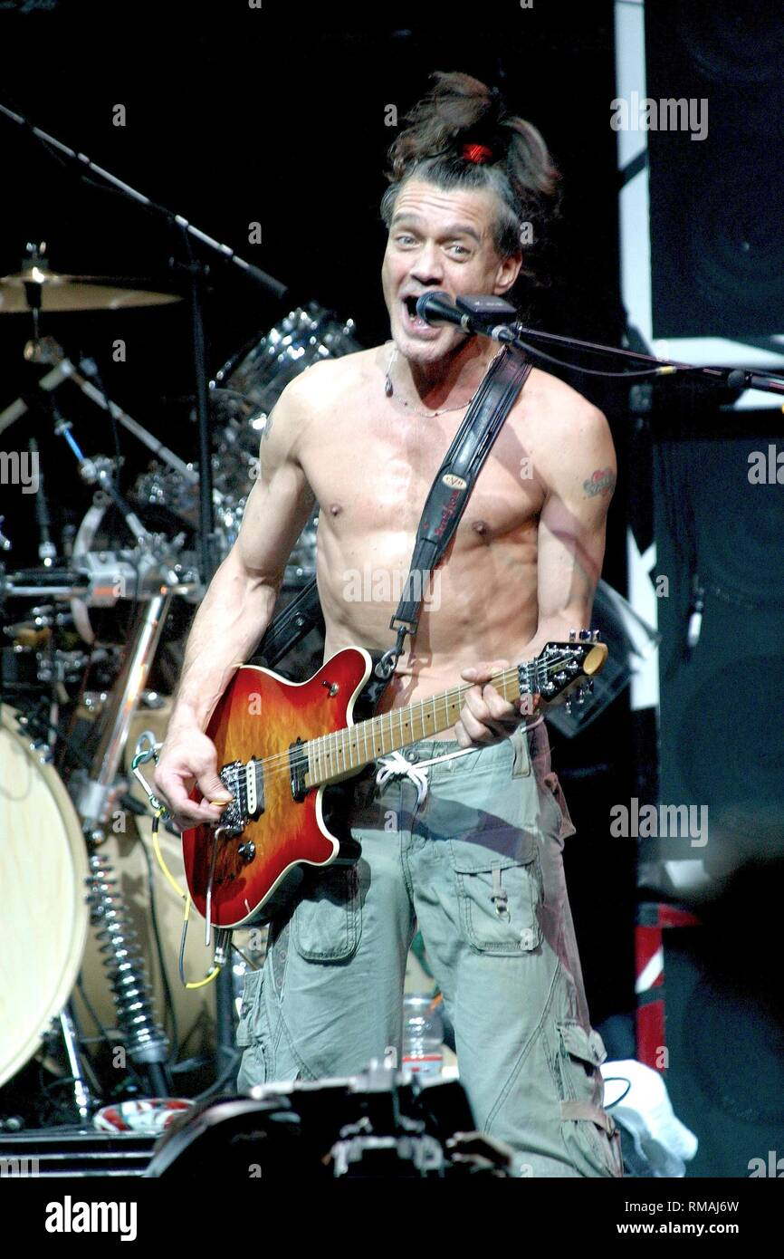 Eddie Van Halen High Resolution Stock Photography And Images Alamy