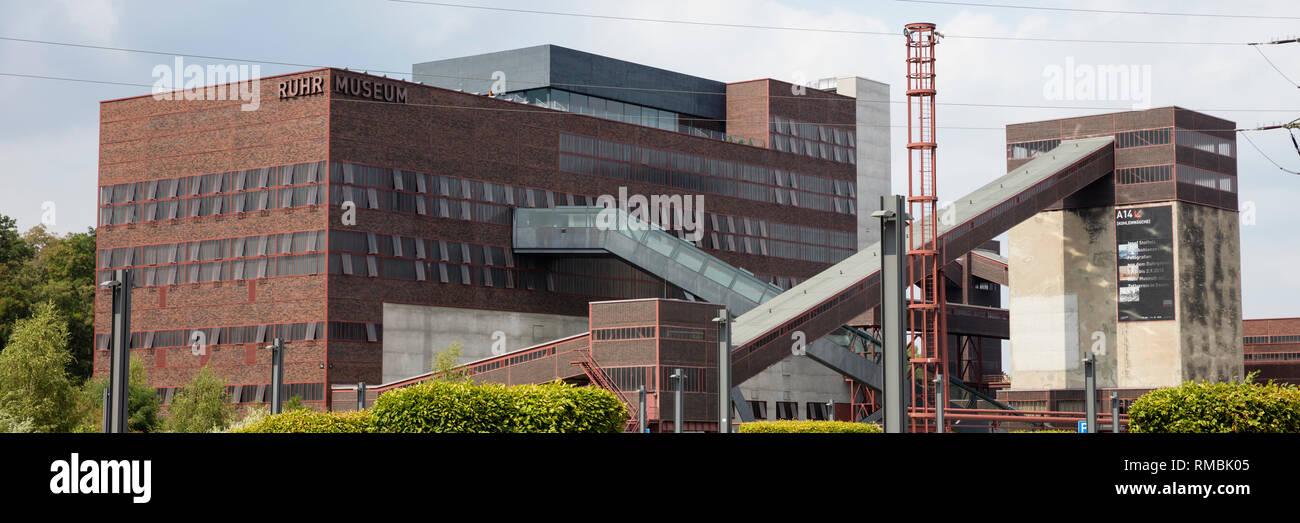 Headframe mine Zollverein Shaft XII, Essen, Ruhr district, North Rhine-Westphalia, Germany, Europe, - Stock Image