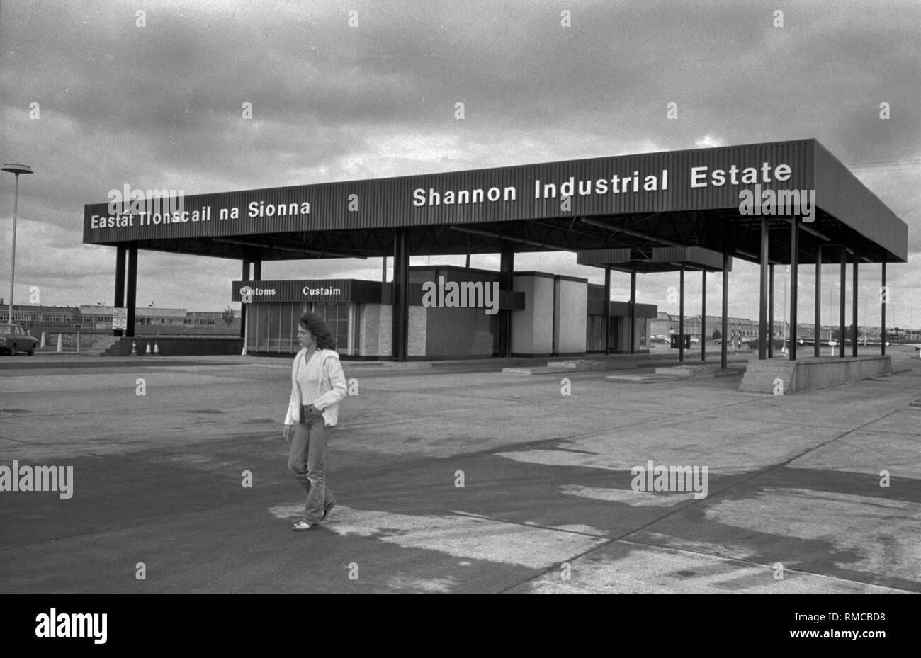 Shannon Industrial Estate Limerick, in County Limerick, Eire. 1970s West Coast of Southern Ireland 70s HOMER SYKES - Stock Image