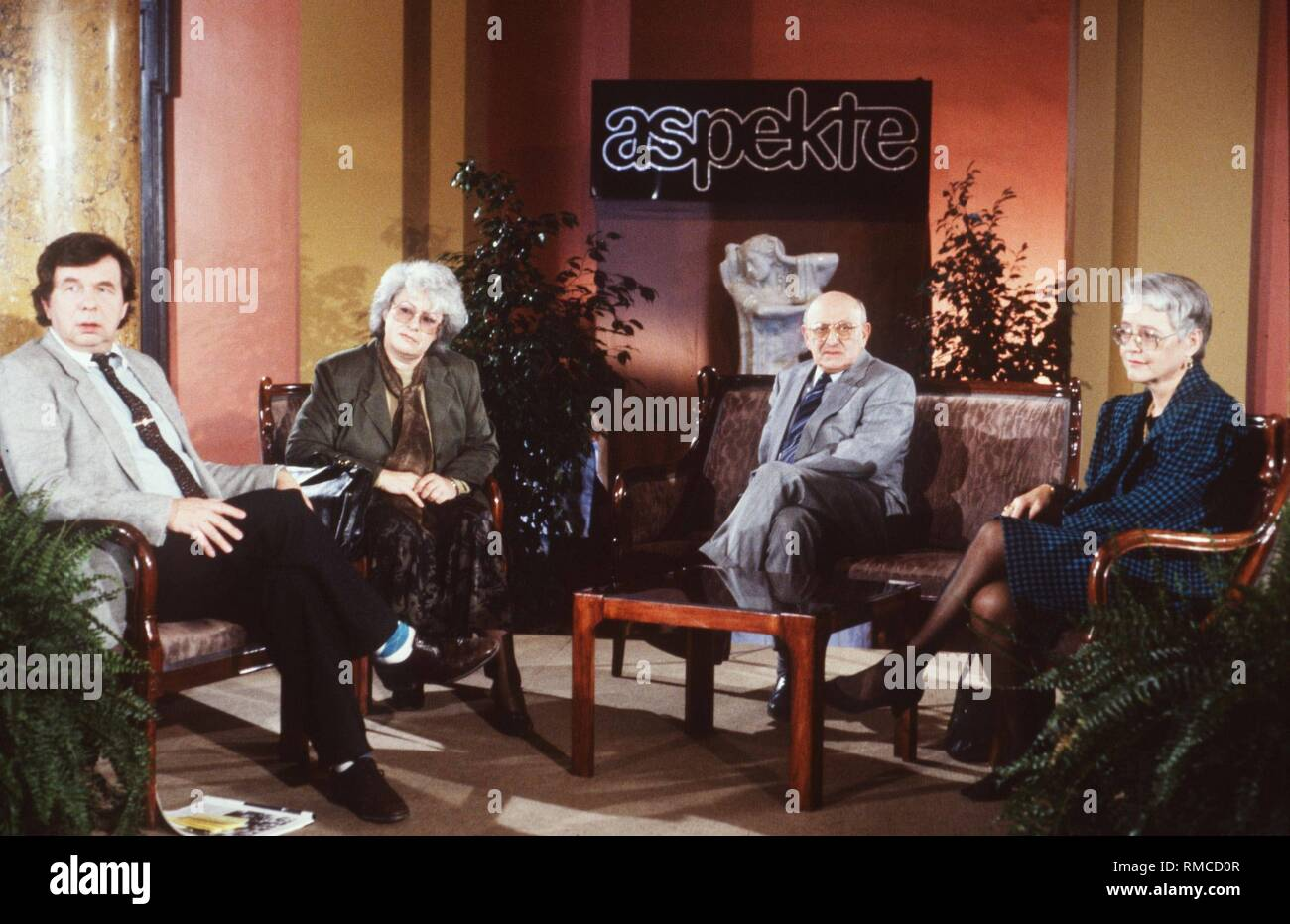 The 'Literary Quartet' with (from left) Helmuth Karasek, Sigrid Loeffler, German author and literary critic Marcel Reich-Ranicki, and Klara Obermueller. - Stock Image
