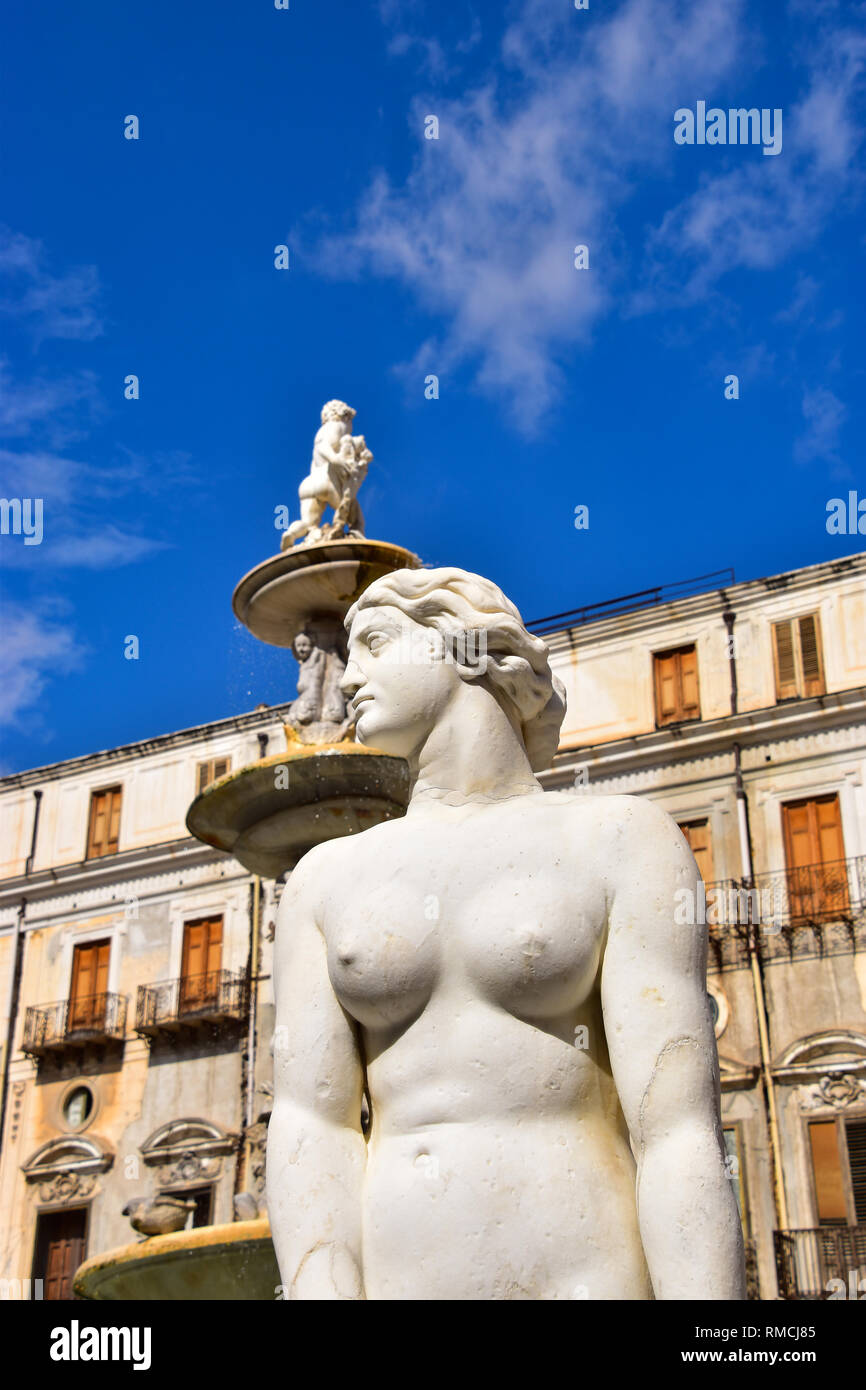 Statues, Pretoria Fountain, Piazza of Shame, Palermo, Sicily, Italy - Stock Image