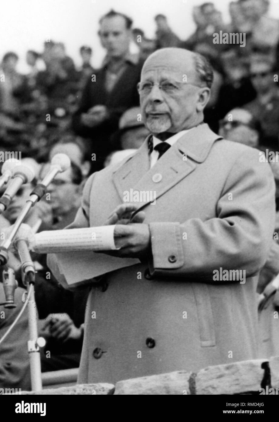 Walter Ulbricht, party and head of state of the GDR in a speech at the opening of the Pentecost meeting of the FDJ in the 'Walter Ulbricht Stadium', May 1964 in East Berlin. - Stock Image
