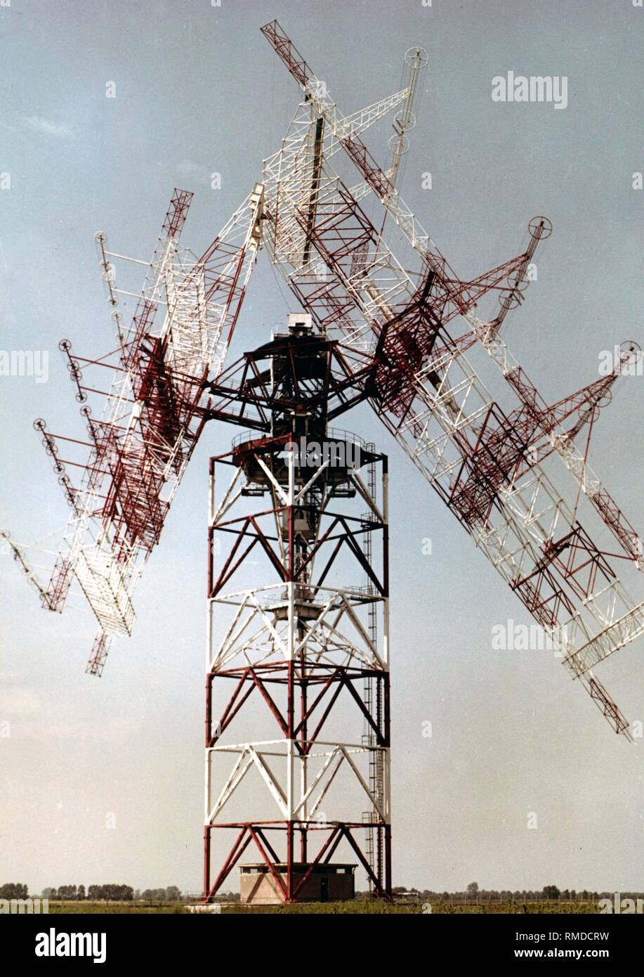 Rotatable and swiveling short-wave directional antenna in Nauen for broadcasting the programs of the international broadcaster for the German Democratic Republic, Radio Berlin International RBI. - Stock Image