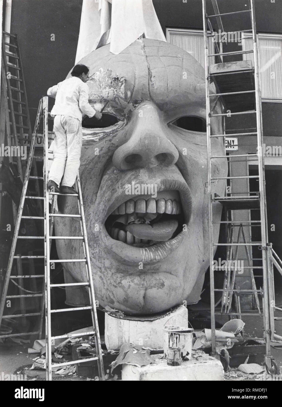 A papier mache head with a movable tongue is assembled in the depot of the Kammerspiele Munich. Jürgen Rose designed the earth ghost for Dieter Dorn's production of Goethe's 'Faust' in 1987. - Stock Image