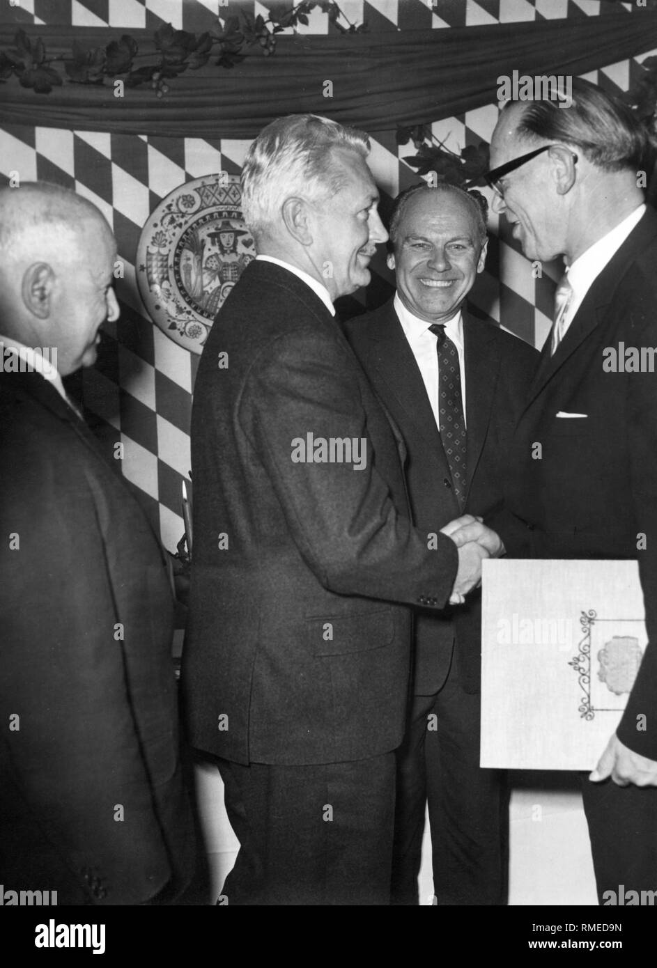 Albert Bayerle (right), third mayor in Munich (from 1960-1972), at the Fashion Week. - Stock Image