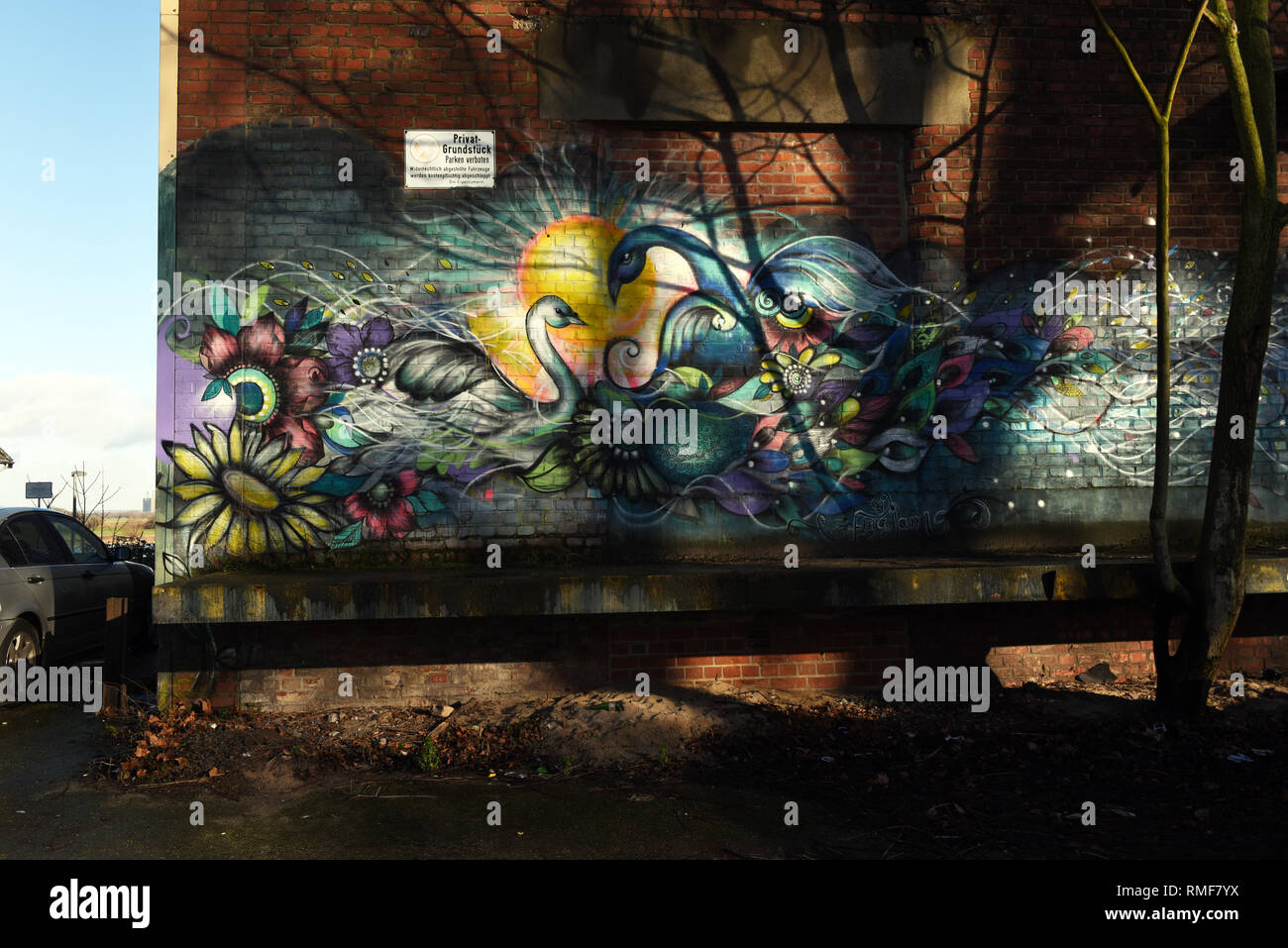 Krefeld, Germany. 11th Feb, 2019. 'Street Art Art' on the building of the 'Rhine Side Gallery' on the banks of the Rhine in the district of Uerdingen, which was created by the street art artist 'Ruben Poncia' as part of the event 'Rhine Side Gallery 2018' of the city of Krefeld. Credit: Horst Ossinger/dpa/Alamy Live News - Stock Image