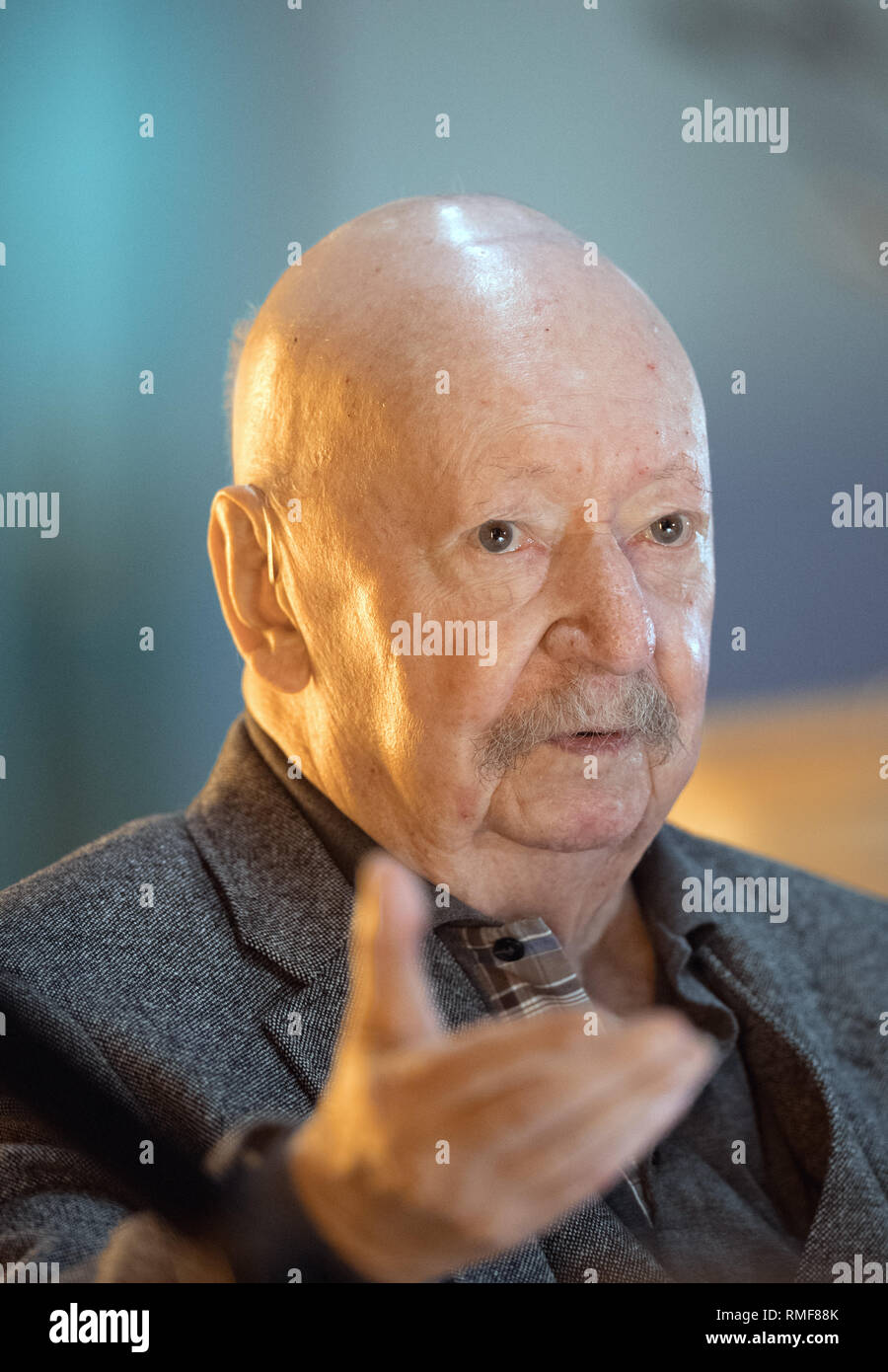 Berlin, Germany. 14th Feb, 2019. Writer Günter Kunert talks about his book 'Die zweite Frau' (The Second Woman), which has now been published by Wallenstein-Verlag, in the Schleswig-Holstein state representation. Kunert had written the novel almost 45 years ago, when he found the book unprintable in the GDR and had forgotten the manuscript in its hiding place. Credit: Soeren Stache/dpa/Alamy Live News - Stock Image