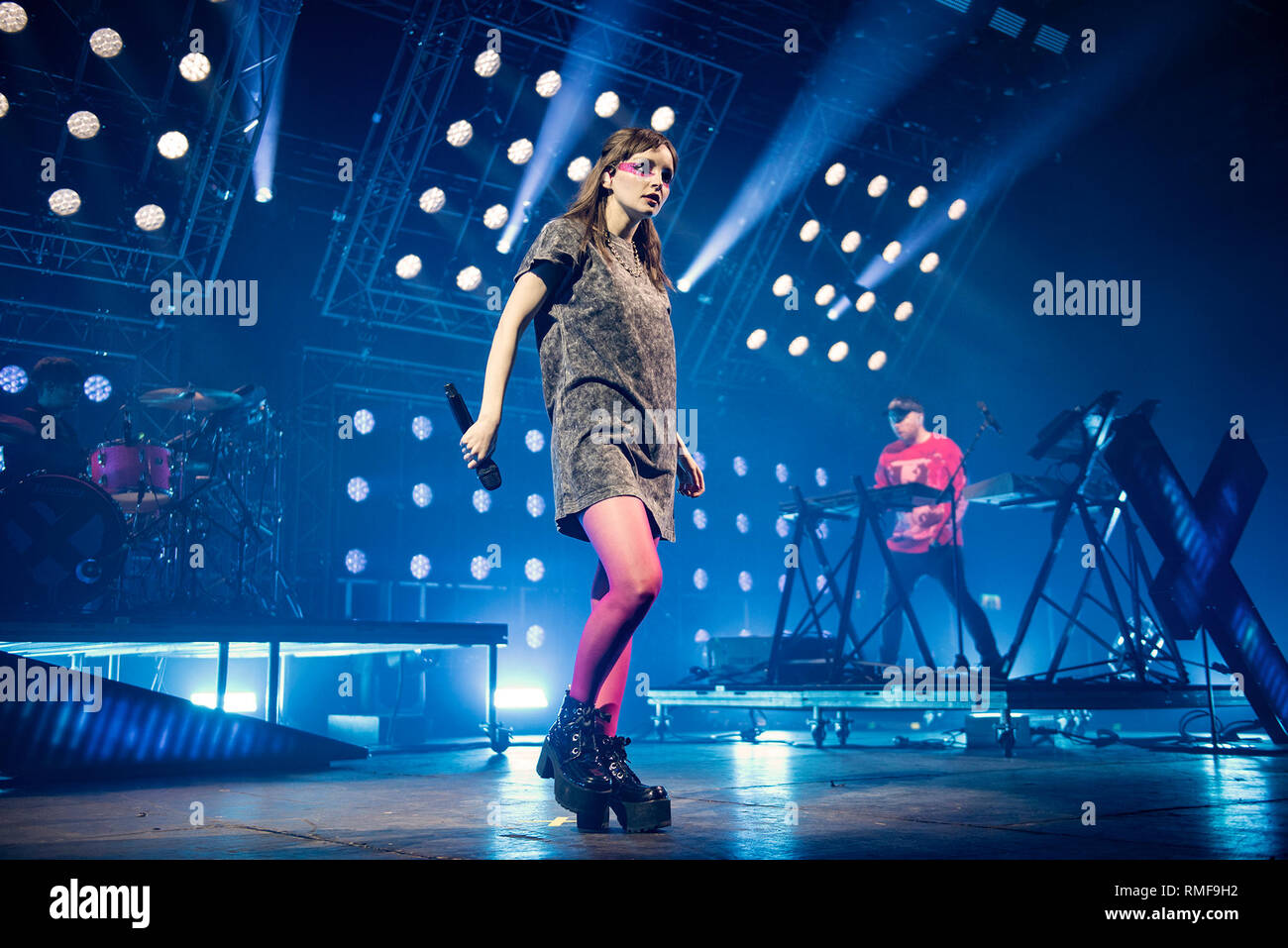 Manchester, UK. 14th Feb, 2019. Lauren Mayberry, Iain Cook and Martin Doherty of synth pop band Chvrches perform at the Victoria Warehouse, Manchester 2019-02-14 Credit: Gary Mather/Alamy Live News - Stock Image