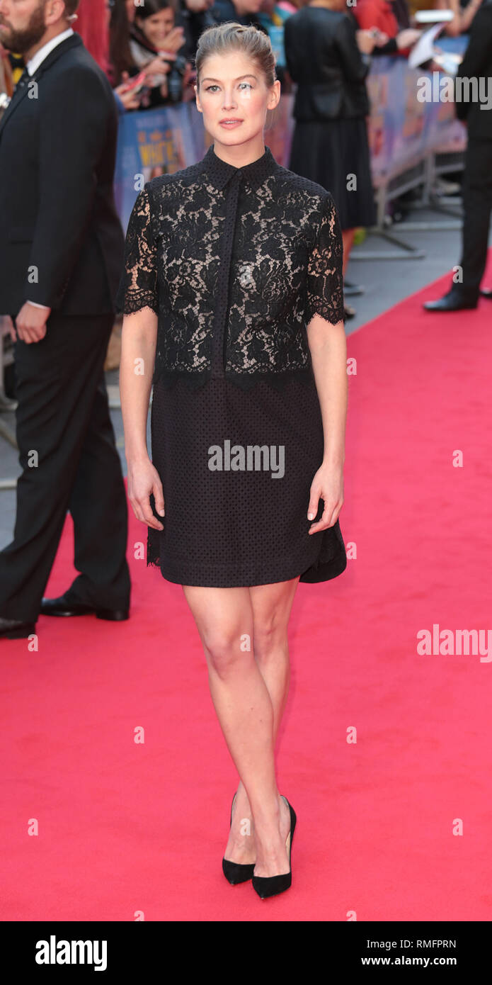 22-09-14: 'What We Did on Our Holiday' - World Premiere, Rosamund Pike arrives - Stock Image