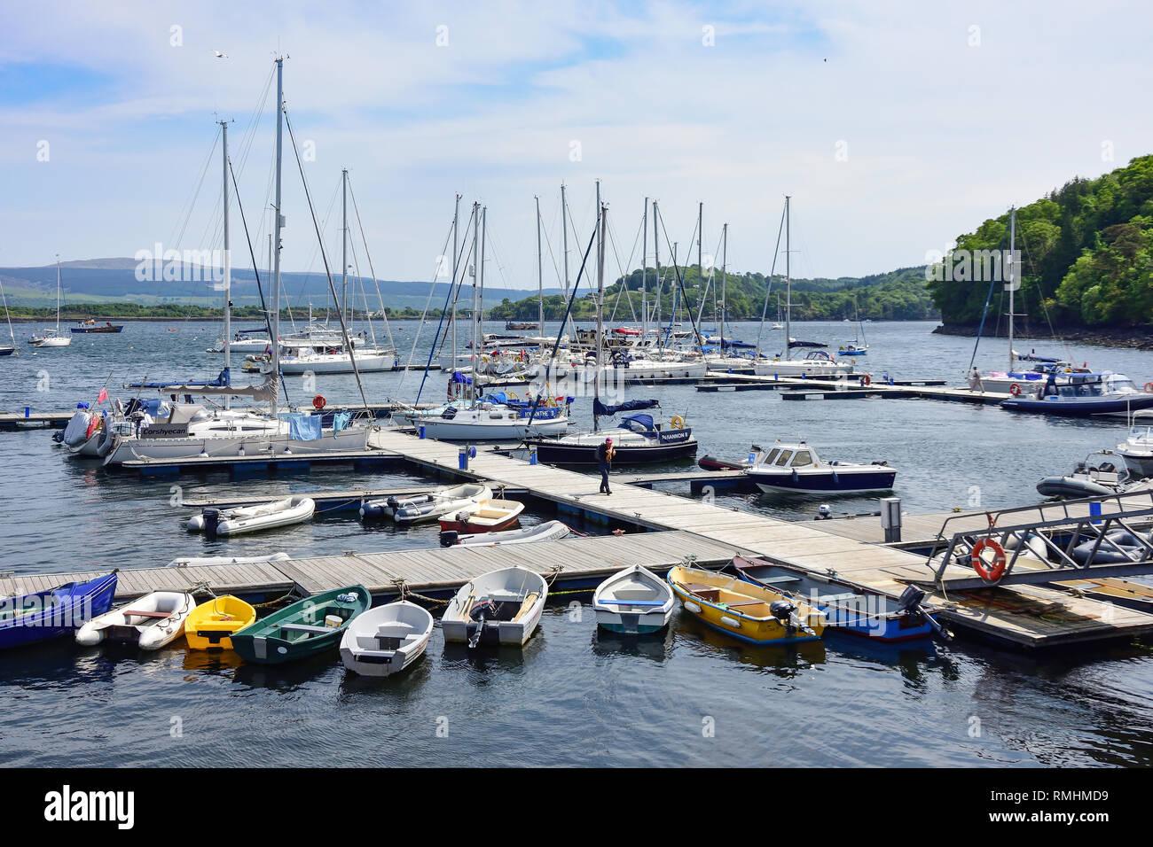 Boat marina, Tobermory, Isle of Bute, Inner Hebrides, Argyll and Bute, Scotland, United Kingdom - Stock Image
