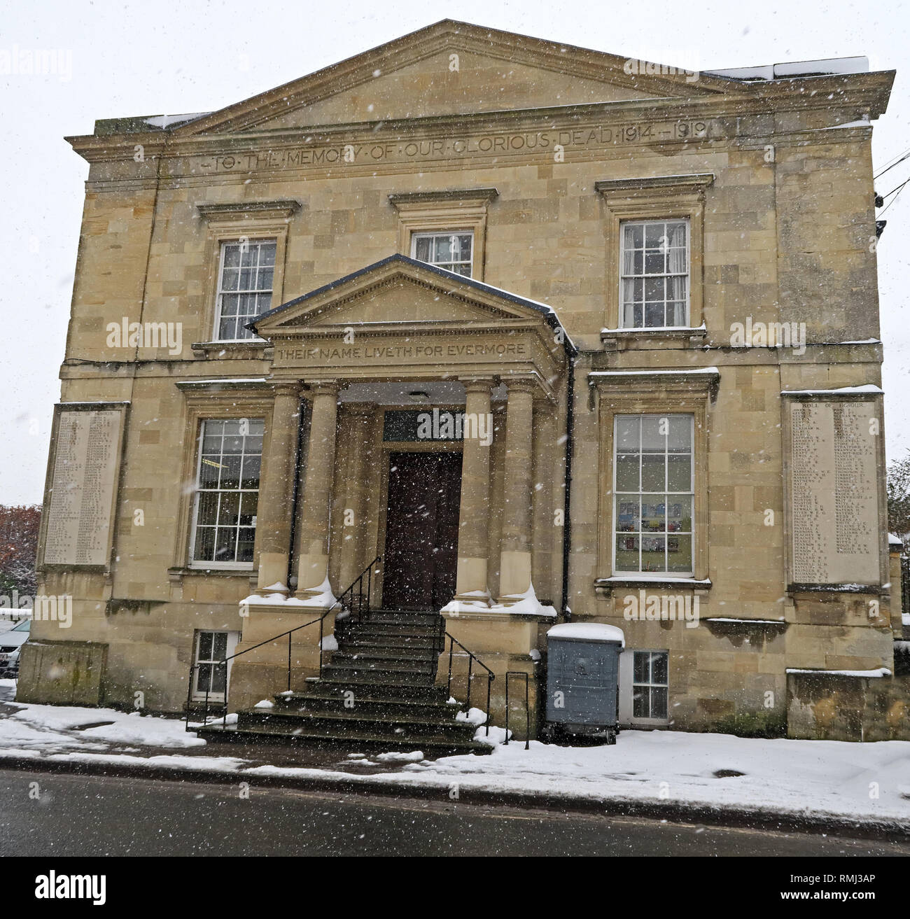 Apsley Hall, Old Hospital Annexe, Winter snow Cirencester town centre - Stock Image