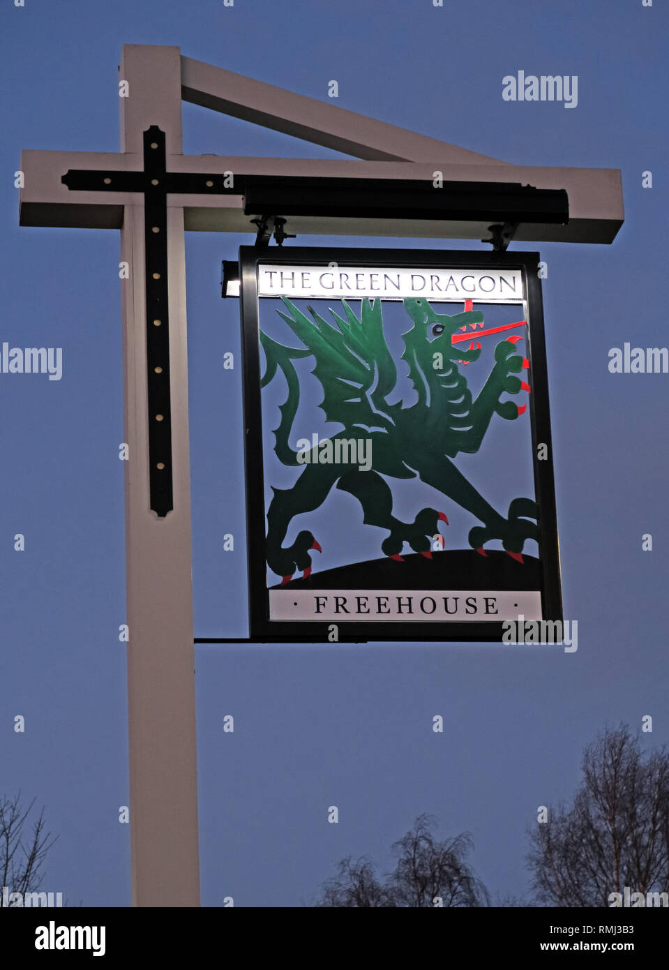 Green Dragon Pub Sign, Vintage Inn, Lymm, Warrington, Cheshire, - Stock Image