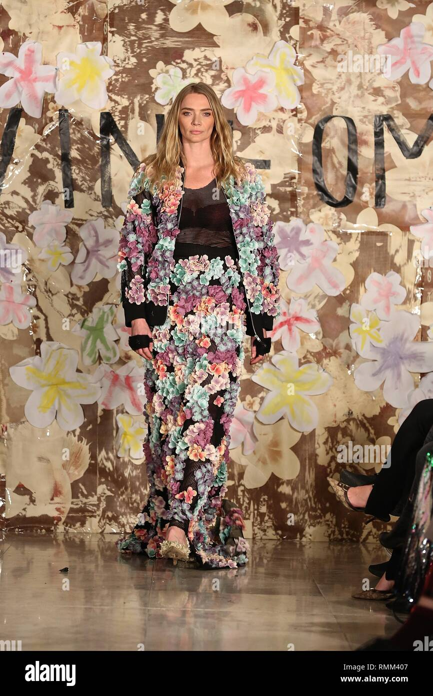 Jodie Kidd makes her return to the catwalk for London Fashion Week 2019 - Stock Image