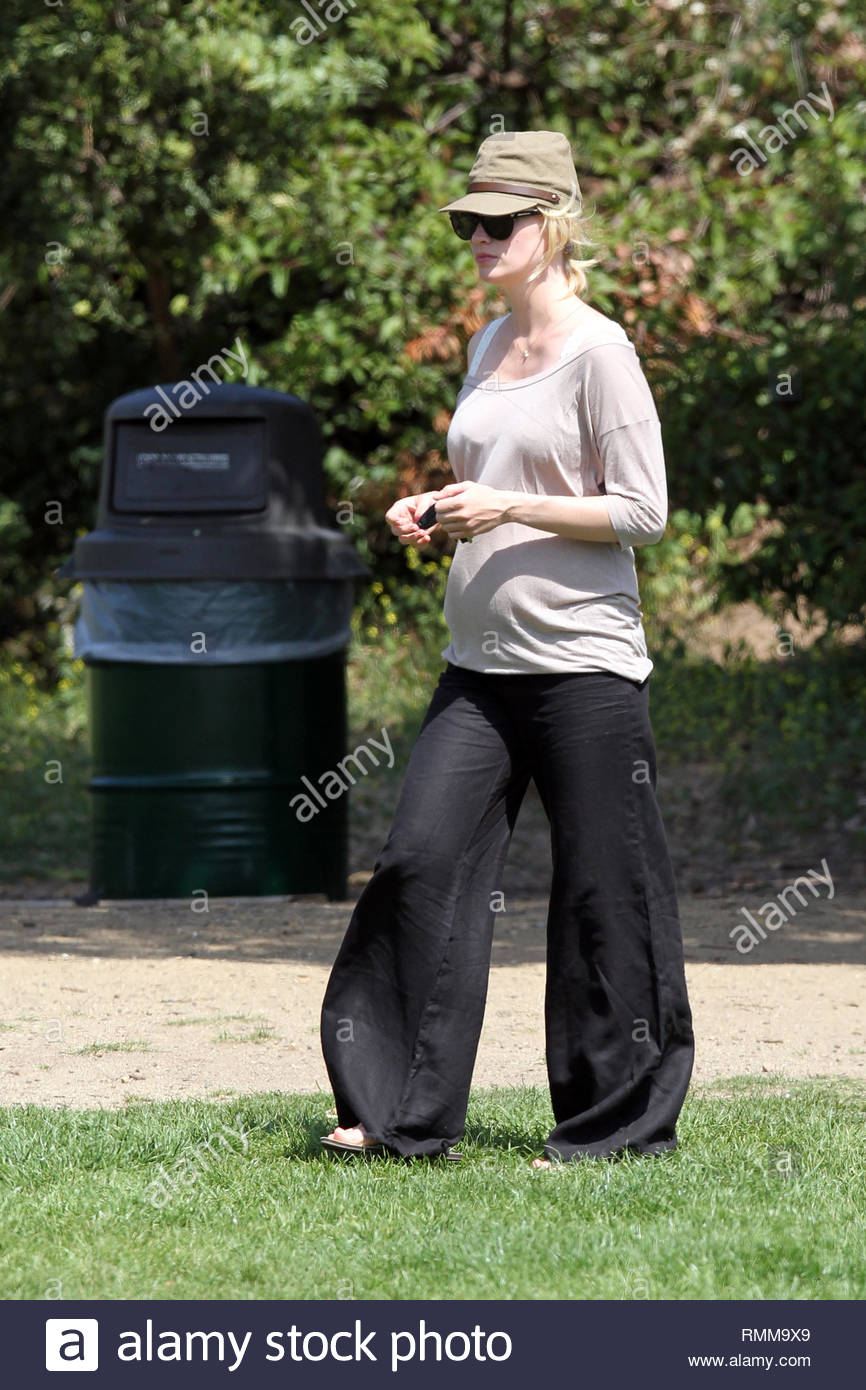 Hollywood, CA - January Jones is back in Los Angeles and out with