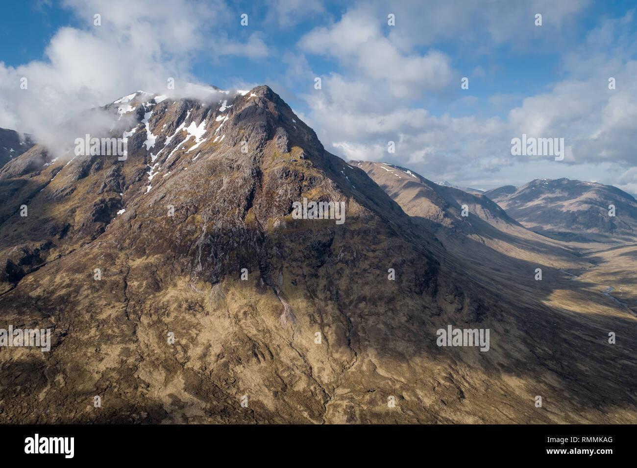 Mountain peaks at the entrance to Glen Etive, near Glencoe in the Scottish Highlands. - Stock Image