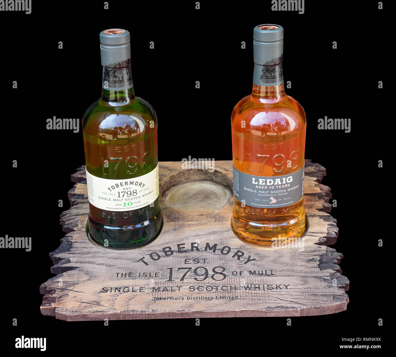 Bottles of whisky at Tobermory Distillery Visitor Centre, Ledaig, Tobermory, Isle of Bute, Inner Hebrides, Argyll and Bute, Scotland, United Kingdom - Stock Image