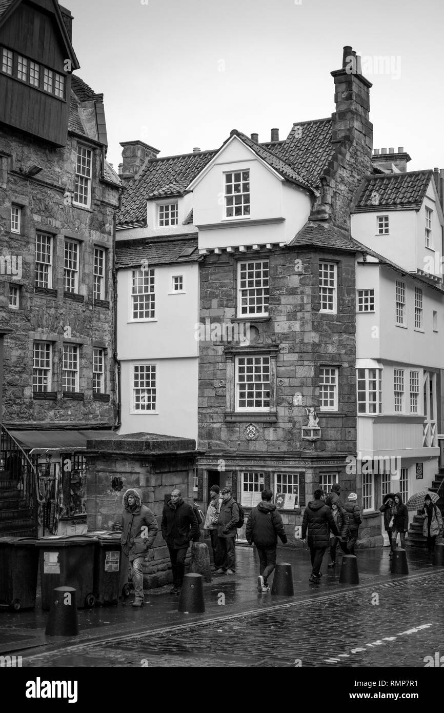 John Knox House on a rainy day in the Royal Mile, Edinburgh, Scotland. Stock Photo