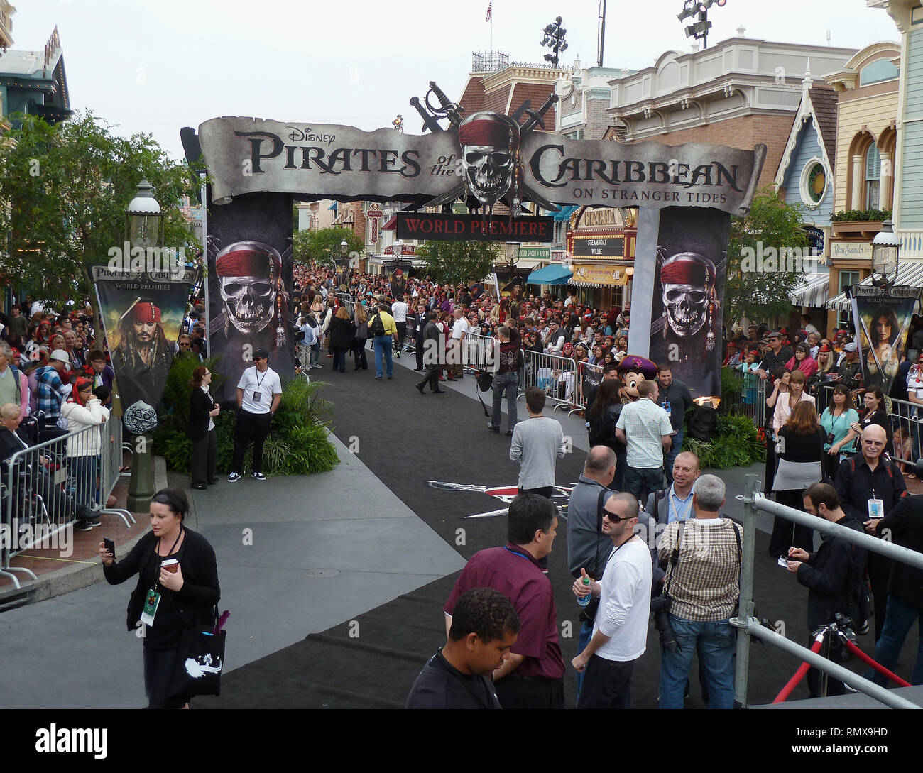 Ambience   at Pirates of the Caribbean-On Stranger Tides Premiere in Disneyland, Anaheim.Ambience _86  Event in Hollywood Life - California, Red Carpet and backstage, movie celebrities, TV celebrities, Music celebrities, Topix, Bestof, Arts Culture and Entertainment, Photography,  inquiry tsuni@Gamma-USA.com , Credit Tsuni / USA,  accessory wear by people on event. shoes, jewelery, ring, earring, bag ambience and others. from 2011 - Stock Image