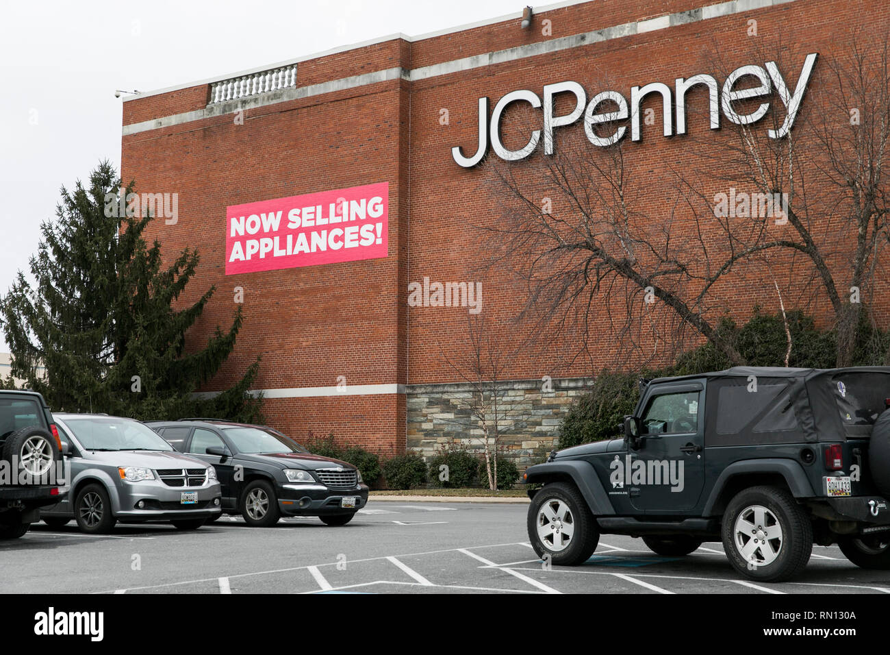 A banner that reads 'Now Selling Appliances' outside of a JCPenney retail store in Wheaton, Maryland on February 14, 2019. - Stock Image