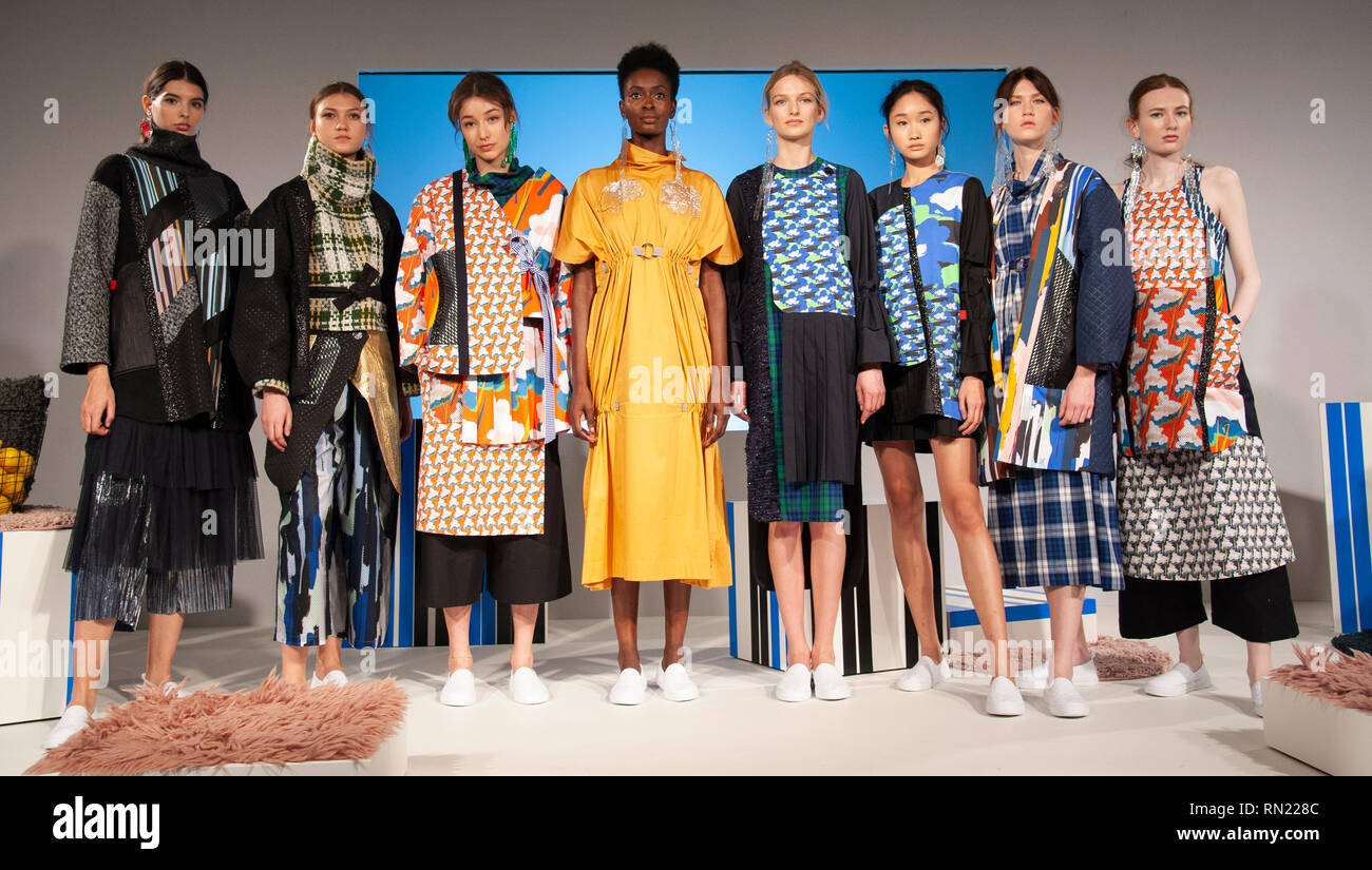 London Fashion Week Cassey Gan S Aw19 Show Took Place Today At Fashion Scout Freemason S Hall Covent Garden London Uk Despite Gaining An Undergraduate Degree In Chemical Engineering Cassey Went On To Work